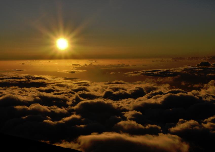 Roberts Hawaii Haleakala Sunrise Tour